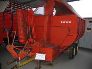 404-Häckselwagen-HW35