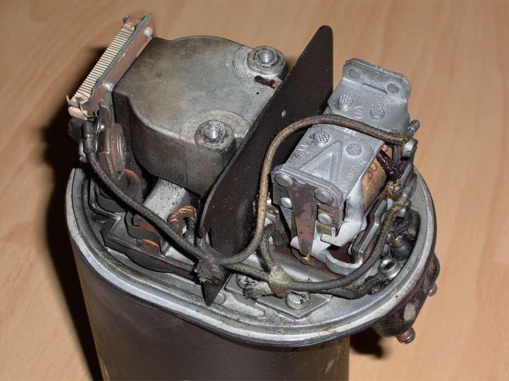 Ausgezeichnet Bosch Spannungsregler Schaltplan Fotos - Elektrische ...
